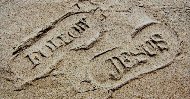 follow-jesus-sand